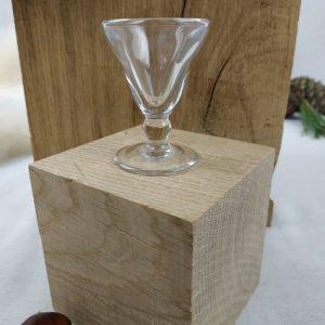 petit verre a liqueur sur petit pied fabriqémoi