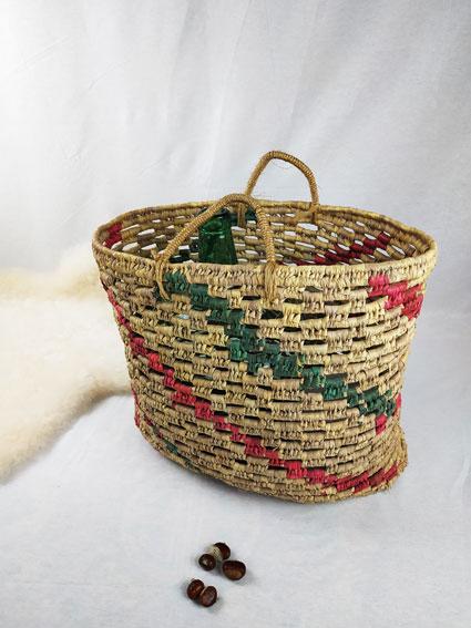 Grand panier en osier couleur rouge vert et osier FabriQémoi