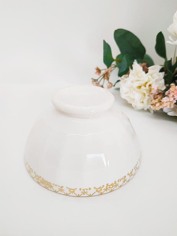 tasse ou bol en porcelaine et liseré doré de chez FabriQémoi