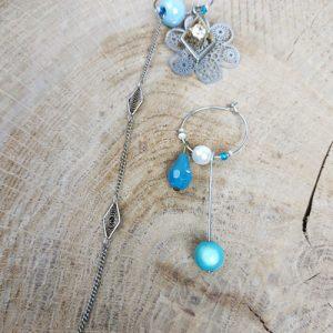 Paire de boucles d'oreilles asymétriques Vintage modèle Perles bleues