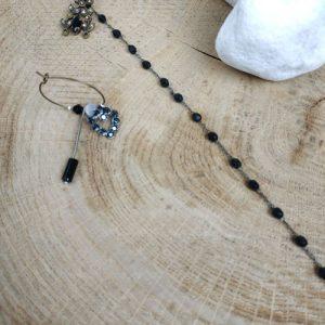 Paire de boucles d'oreilles asymétriques Vintage modèle Collier de perles noires