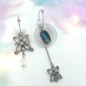 Paire de boucles d'oreilles asymétriques Vintage modèle papillon diamant