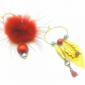 Paire de boucles d'oreilles asymétriques Vintage modèle perle et pompon