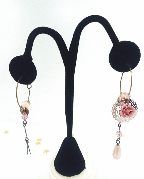 boucles d'oreilles asymétriques et uniques de chez FabriQémoi