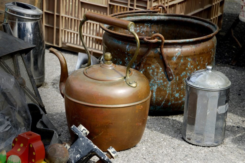 Des contenants chinés en brocante