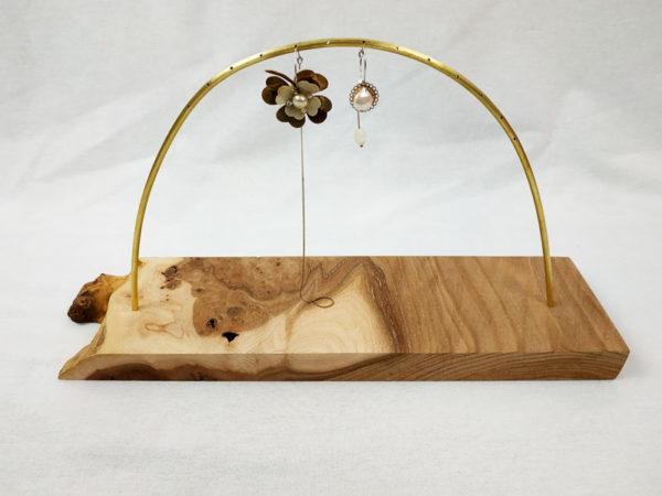 grand porte boucles d'oreilles rectangle en orme avec sa tige demi cercle en laiton 14 trous