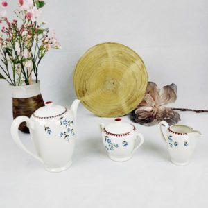 service cafetière sucrier pot à lait Gilbert France en porcelaine FabriQémoi