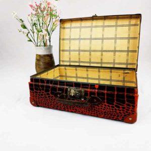 valise en carton ancienne couleur marron rouge FabriQémoi