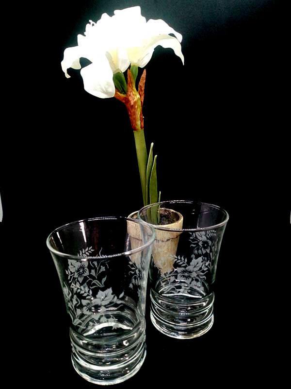 verre a eau sans pied avec fleurs gravées blanches fabriqemoi