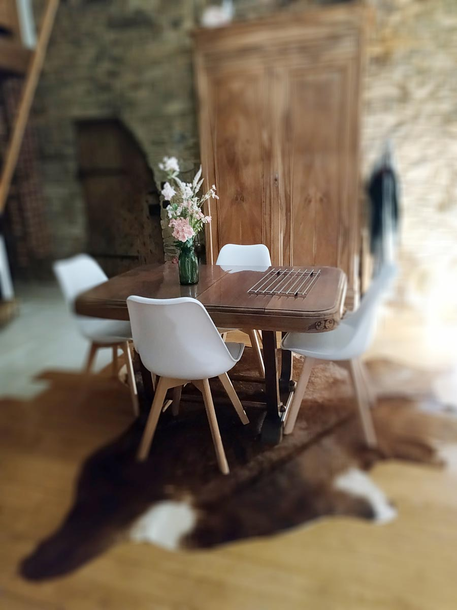 salle à manger vintage et tendance de FabriQémoi