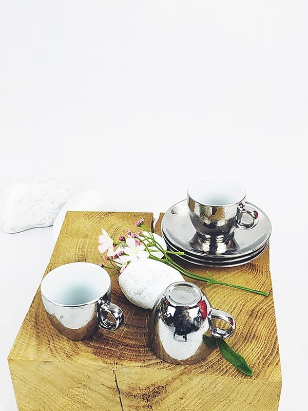 3 tasses et soucoupes à café argentées fabriqemoi