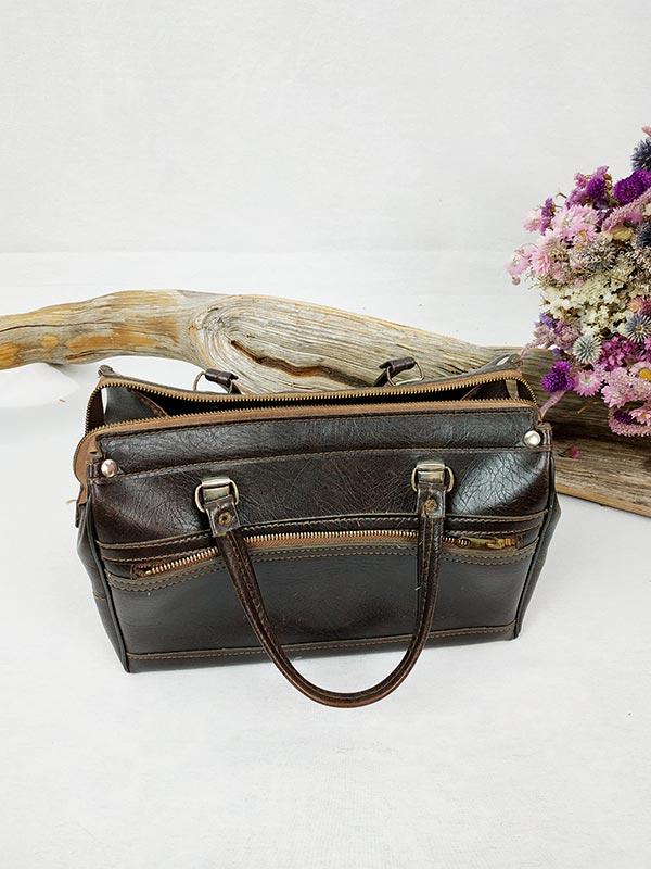 sac à main en cuir marron style sacoche de médecin