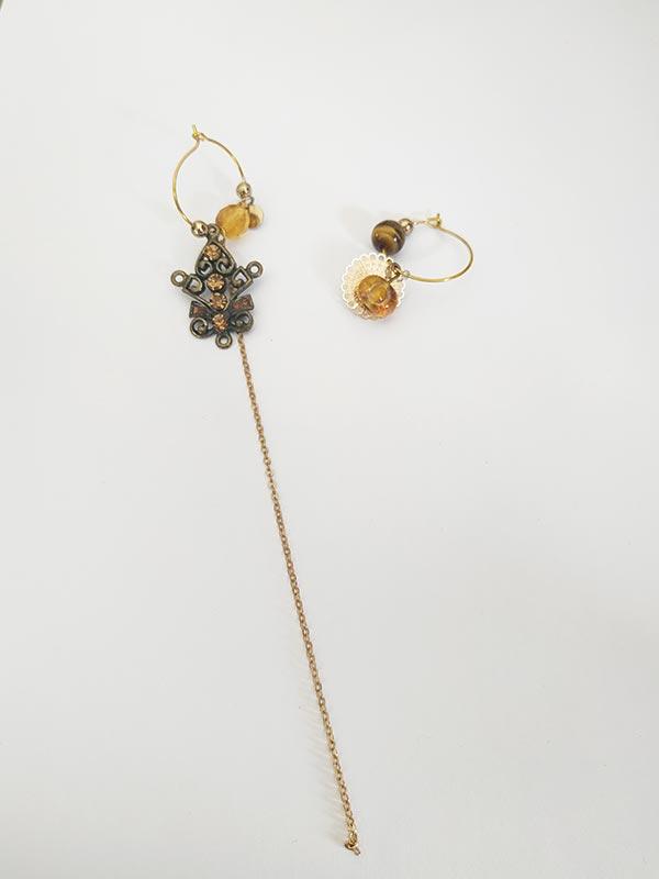 Boucles d'oreilles asymétrique conçu à partir d'ancien bijoux FabriQémoi