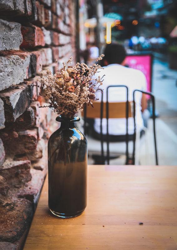 decor-fleur-flore-verre-table-vase-bouteille-vintage-fabriqemoi