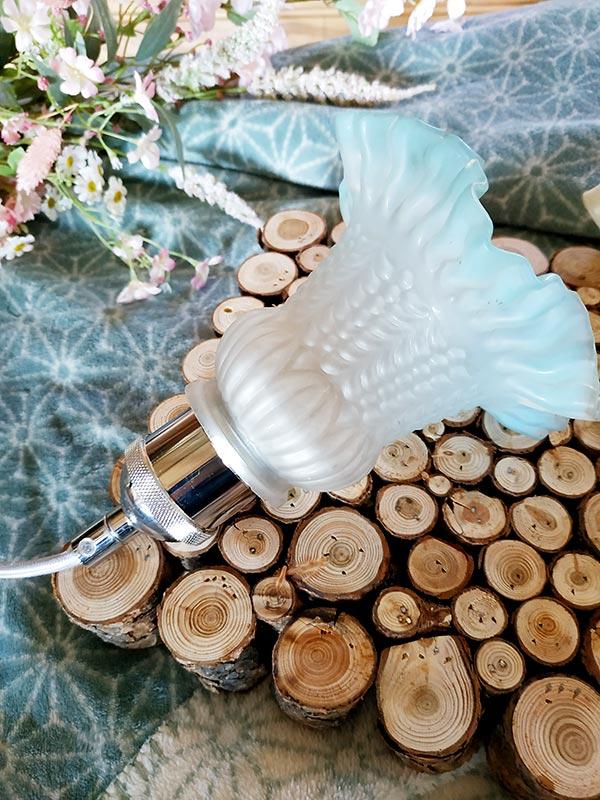 suspension couleur au choix petite opaline tulipe bleue de FabriQémoi