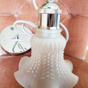 Suspension opaline tulipe verre blanchi avec choix de couleurs de suspension moderne de FabriQémoi