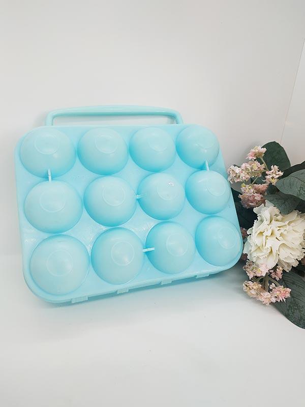 boite-a-oeufs-en-plastique-vintage-bleu-turquoise-douze-compartiments