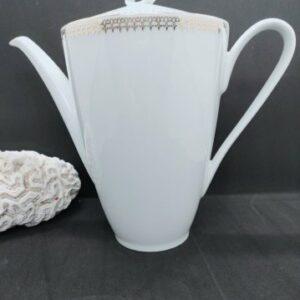 """Cafetière porcelaine de Sologne """"la motte"""" blanche et or"""