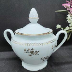 Sucrier en porcelaine Française blanc et fleurs dorées