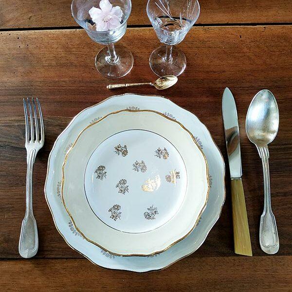 vaisselle-ancienne-argenterie-cristal-assiette-porcelaine-presentation-de-table-fabriqemoi